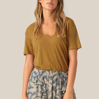 Peony V-neck Tee – Golden Brown
