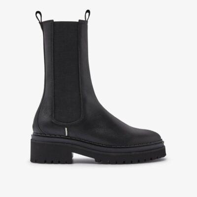 Fae Adams – Black Chelsea Boots